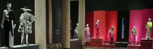 Yves_Saint_Laurent_retrospective_at_the_Montreal_Museum_of_Fine_Arts