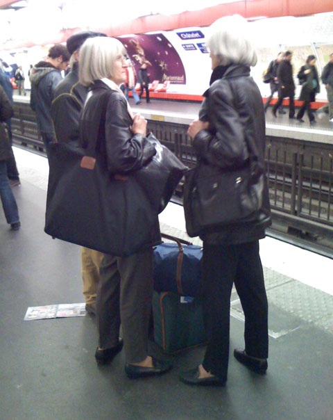 sartorial_look_alikes_Paris_subway