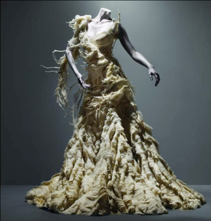 alexander_mcqueen_dress_irere_ss_2003